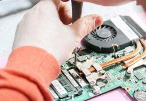 Зачем нужна чистка ноутбуков?